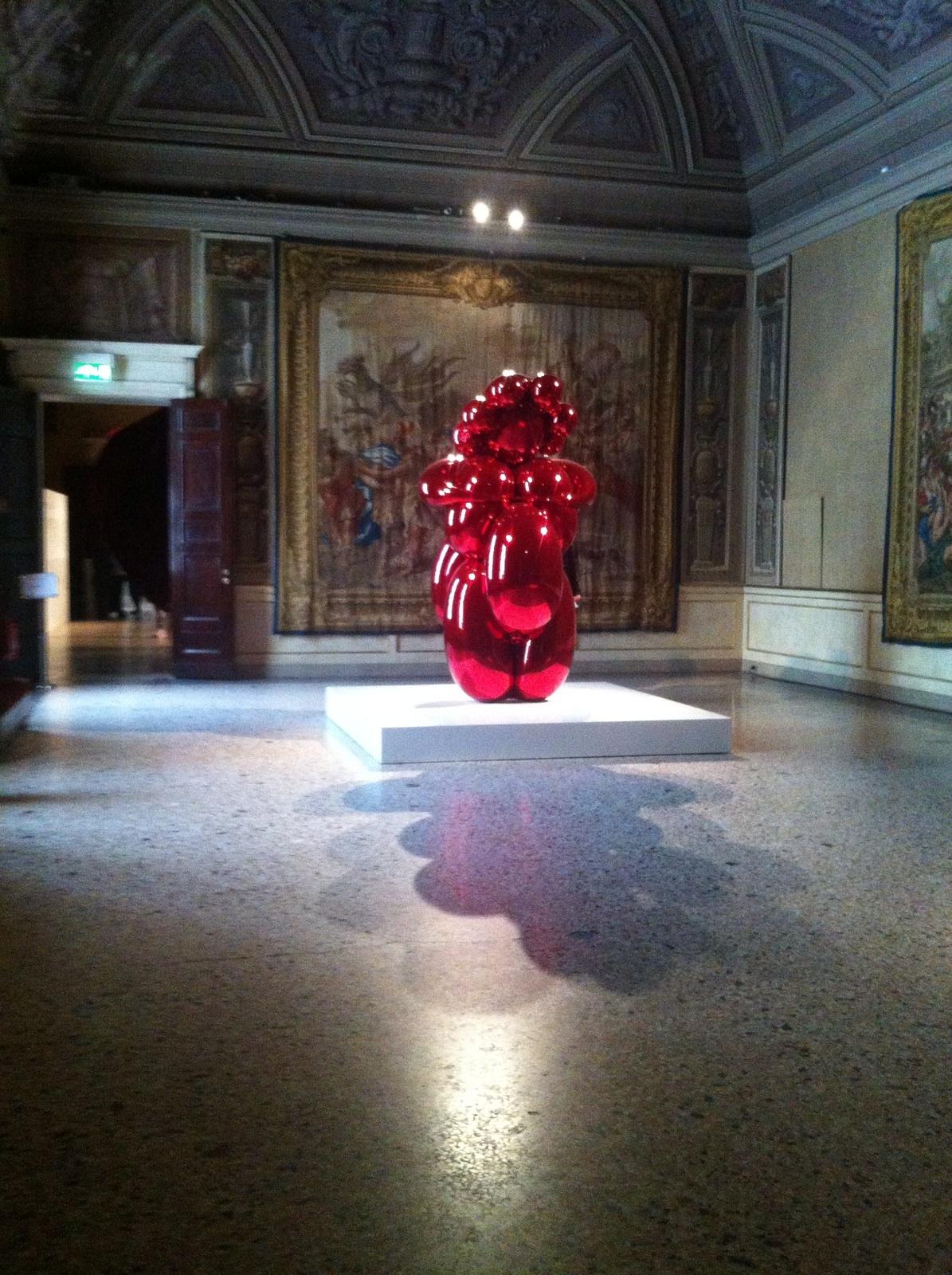 Palazzo_Reale_Milano_koons.JPG