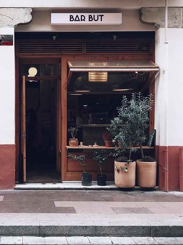 Bar But front door Barcelona